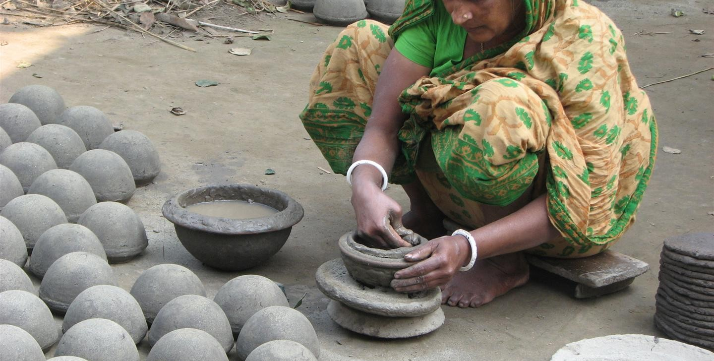potter in Bangladesh (photo by Dick Sakahara)